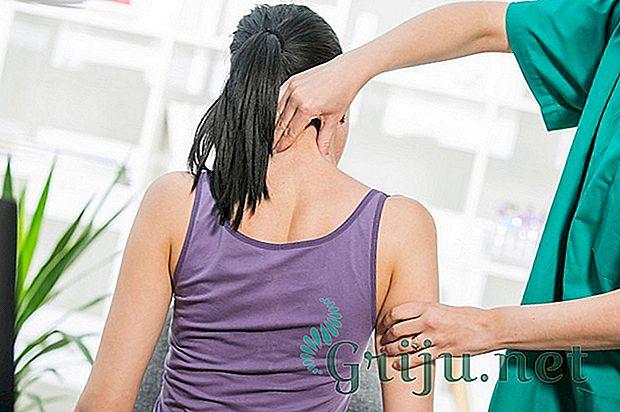 боль в спине при наклоне головы вперед