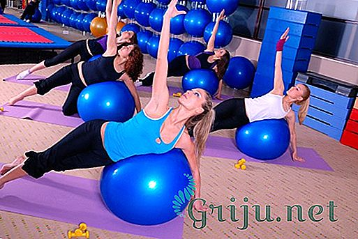 Упражнения с гимнастическим мячом при грыже позвоночника